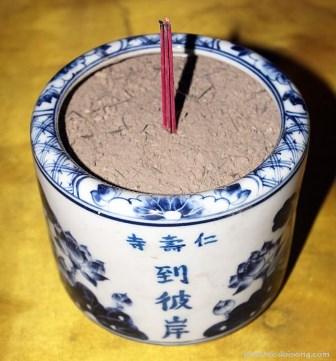 """Bát Hương """"Biết Cười"""" - Trọng Hùng Fengshui"""