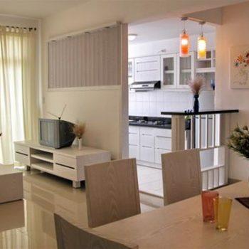 Phòng ăn nên được thiết kế dạng hình vuông hoặc chữ nhật, đặt ở hướng Nam