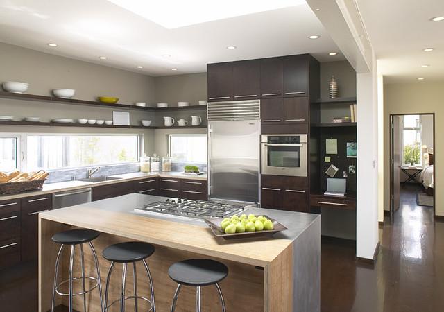 Phong thủy nhà bếp có cho phép ngủ trên bếp hay không?