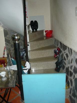 Cầu thang trực xung - Trọng Hùng Fengshui