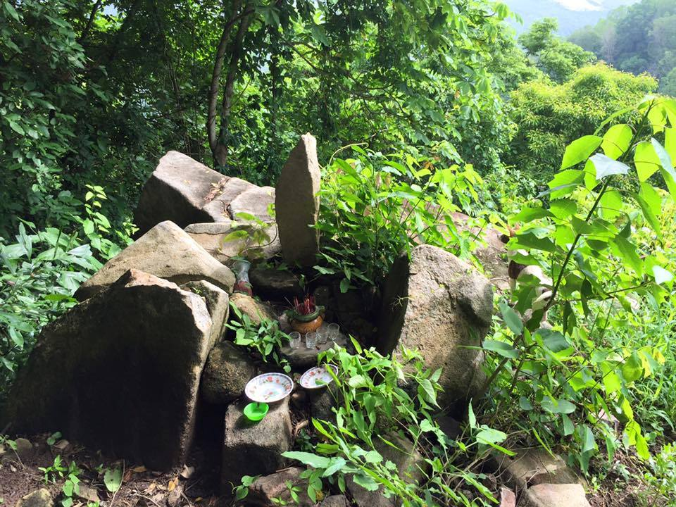 Hồn Thiêng Núi Non Việt Nam