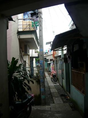 Đường ngõ đâm vào - Phong thủy Trọng Hùng