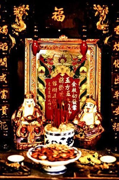 Tủ Thờ địa tài - Phong thủy Trọng Hùng
