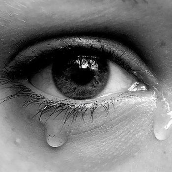 Nước mắt – Phong thủy Trọng Hùng