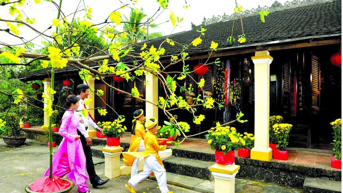 Xông đất đầu năm - Phong thủy Trọng Hùng